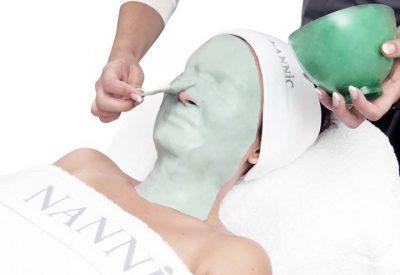 Nannic radiofrekvenssihoitoa suositellaan sarjana, 3 – 5 kertaa, 1 – 2 viikon välein. Tulosten ylläpitämiseksi riittää yksi hoito 1 – 2 kuukauden välein. Hoito sopii kaikille perusterveille aikuisille. Hoidon tarpeesta voi keskustella oman kosmetologin kanssa. Nannic radiofrekvenssihoito sopii myös miehille.